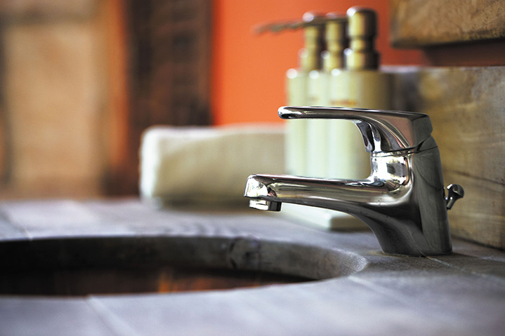 A2B Plumbers are able to fix any leaking taps you may have in Marylebone.